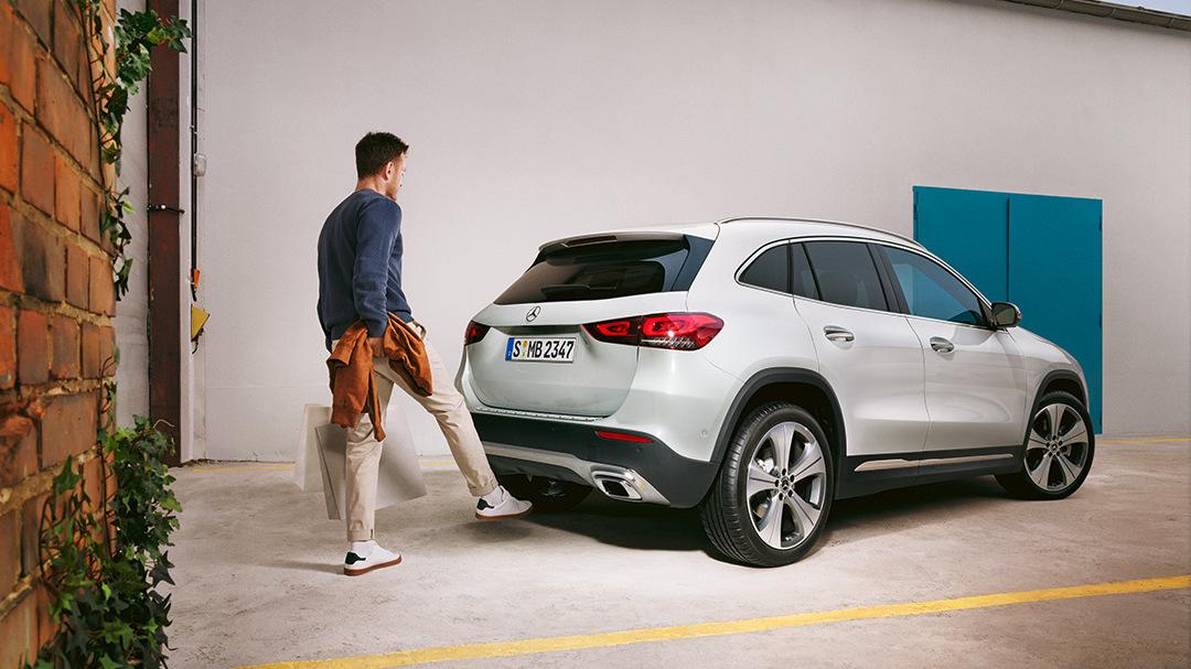 Mercedes-Benz-GLA-Senger-Kofferraum