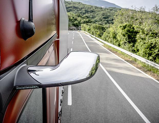 Mercedes-Benz Actros mit MirrorCam