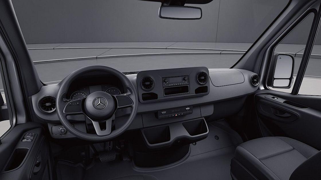 https://www.auto-senger.de/fileadmin/_processed_/3/8/csm_Interieur_Mercedes-Benz_Sprinter_7aaf11b82f.jpg