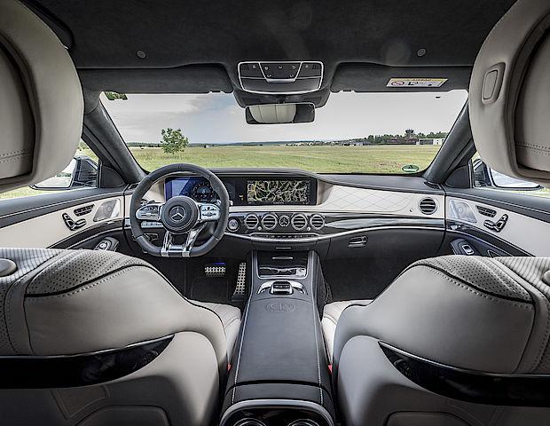 ein update f r die performance luxuslimousinen auto senger. Black Bedroom Furniture Sets. Home Design Ideas