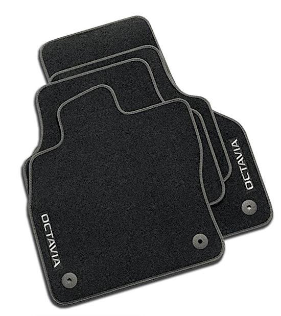 Das Fußmatten-Set für den OCTAVIA III im Angebot
