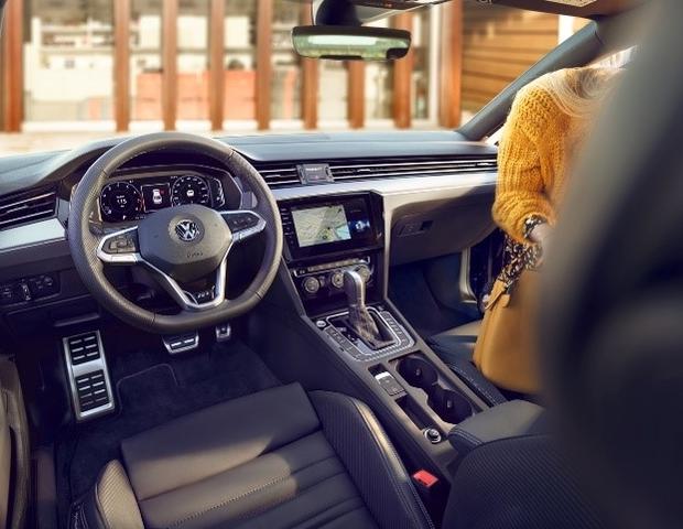Volkswagen Passat mit neuen Assistenzsystemen