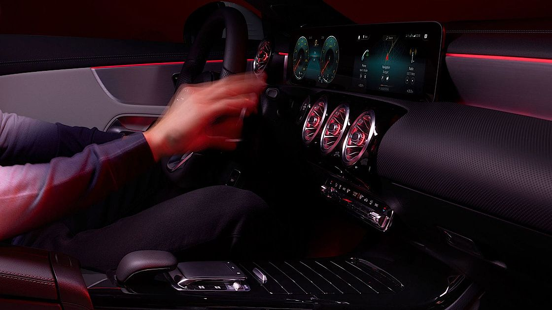Mercedes-Benz CLA Shooting Brake mit MBUX