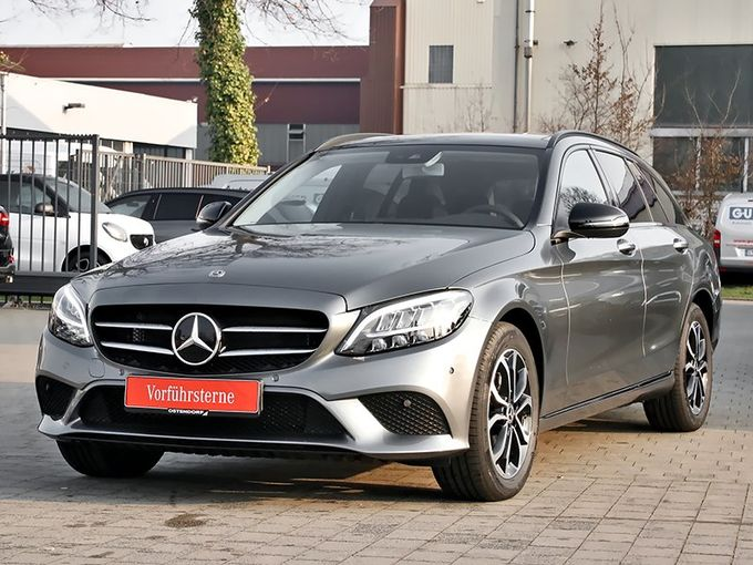 Mercedes-Benz C 63 AMG S Comand Keramik-Bremse Drivers-Package